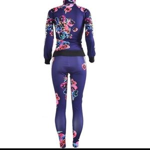 Women's Floral 2 Piece Navy Tracksuit Size Small